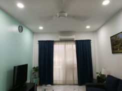 CLEAN VACANT, RENOVATED!!! Palm Terrace Apartment, Puchong