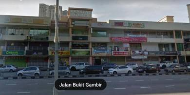 Bukit Jambul near to Vistana Hotel_Facing Main Road