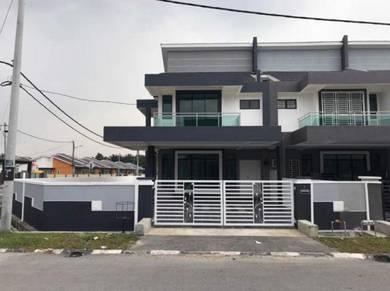 Perak, Seri Manjung, Rumah Teres 2 Tingkat Unit Tepi