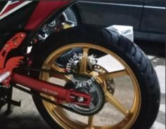 Swing arm RS150r