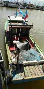 Bot nelayan lesen A untuk dijual