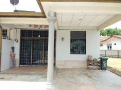 TAMAN KRISTAL Renovated Single Storey Semi-D LA 4000SF For Sale