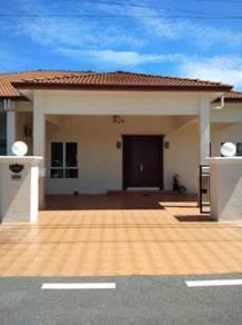 Semi-D single storey house for sale