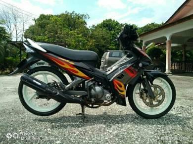 Yamaha LC 135 ES