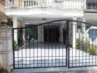 Pulai utama 3 storey house, fully renovated, skudai