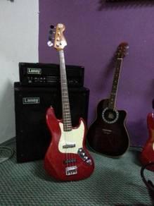 Laney RB9 Bass Amp & Laney Stack Cabinet