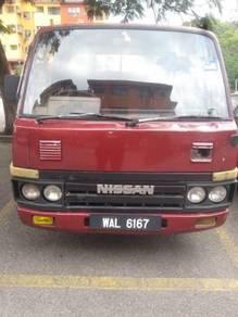 Nissan cabstar tahun 82 (petrol)