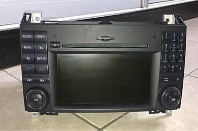 Mercedes Multi Monitor car player (model RA4870)