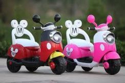 Scooter Elektrik Mickey Minnie