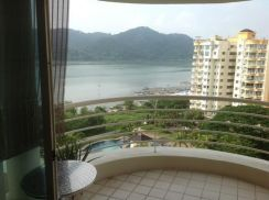 Gold Coast Pool and Seaview, Fully Furnished, High floor, Queensbay