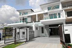 2 STY ( 0% DP ) FREEHOLD HOUSE Nearby Sg Besi