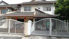 [below mkt price + renovated] 2 sty house, tmn sri bahagia, freehold