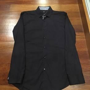 Hugo Boss Navy Long Sleeve Dress Shirt UK15.5 EU39