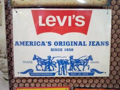 Tin sign besi Levis 02
