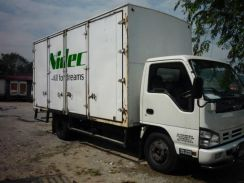 Isuzu npr71 upht / 2013 / 17 feet / 6 door