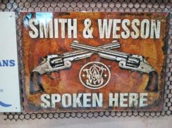 Tin sign besi Smith and Wesson