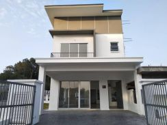 New Double Storey Terrace Sg Merab Bangi (22x70)