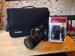 CANON EOS 650D LENS EF-S 18-135mm Like New