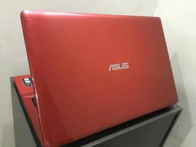 """Asus A550C i5 2.8GHz/4GB/Win8/Nvidia 2GB/15"""""""