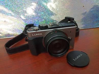 �� Panasonic LUMIX DMC-GX1