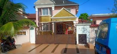 Nice bungalow double storey and half bandar country home, rawang