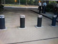 Road bollards bollard blocker