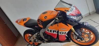 Used honda cbr 1000rr repsol year 2013