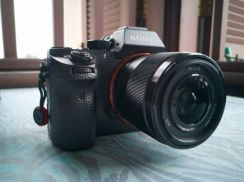 SONY FE 28mm F2 For Sale