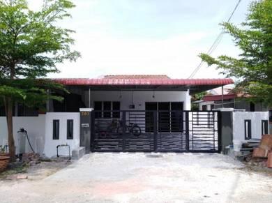 Fully renovated intermediate end lot in pusing baru
