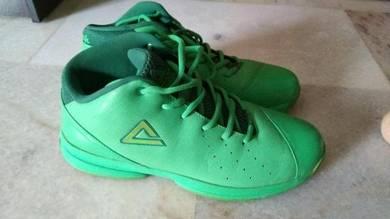Peak basketball shoe