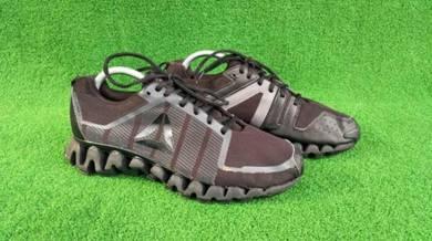 Reebok sports shoe uk 7.5/8