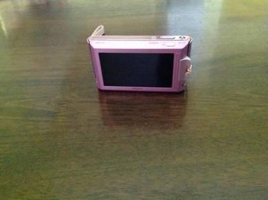 Sony Cybershot DSC T77 camera