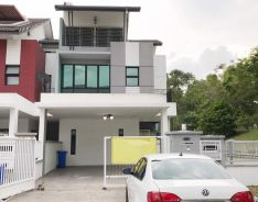 (SPACIOUS END LOT!) 2.5 STOREY END LOT TERRACE, SEKSYEN U12, Shah Alam