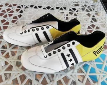 Pantofola d'Oro Football Shoes