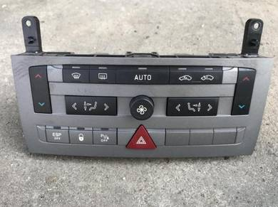 No 15-4-23 Citroen C5 Aircond Switch
