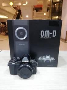 Olympus om-d e-m10 mark ii with 14-42mm lens kit
