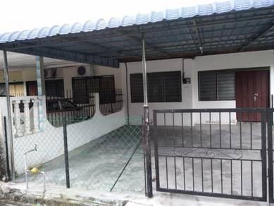 Rumah teres di Tmn Seri Wangi Sitiawan