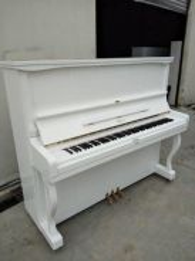 Atlas upright piano