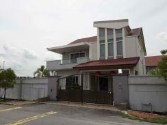 Ipoh FREEHOLD 2sty Bungalow house