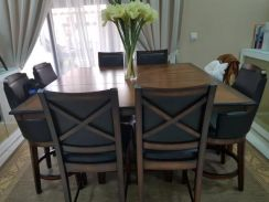 Preloved American Dining Set with 8 seaters