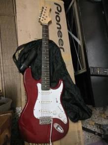 Gitar elektrik untuk dilepaskn ap