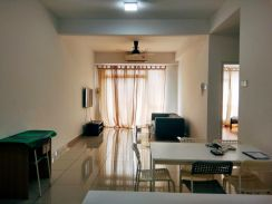 Utropolis Suites 2R2B Fully Furnished Glenmarie Shah Alam Batu 3 TTDI