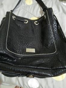 Handbag condition 10/10 pierre ballman