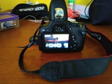 Canon model EOS 600D good condition 10/10