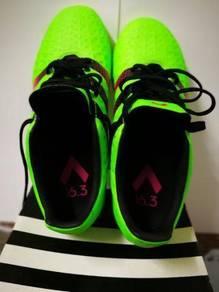 Football shoes addias saiz 7uk.