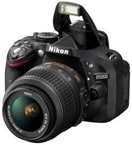 Nikon D5200 Digital SLR Camera with AF-S 18-55mm F