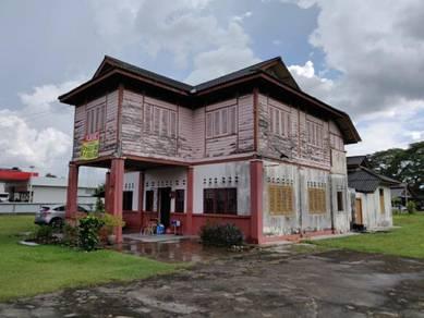 Kayu Rumah Banglo