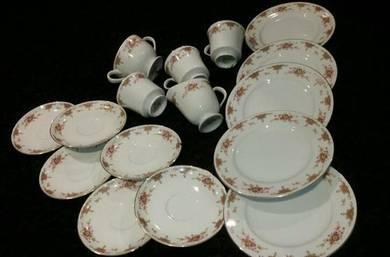 Sone china Japan 5257 16 pieces porcelain SLG