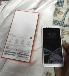 Xiaomi Redmi 5 32GB Internal 3GB Ram