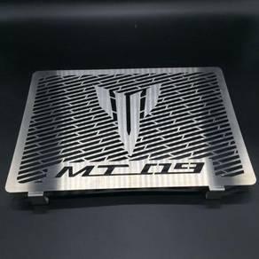 MT09 Radiator Cover